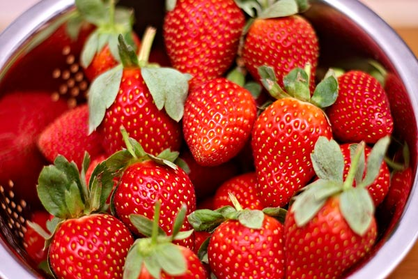 strawberries by quall